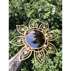 """Настінний декор з дзеркалом """"Соняшник"""""""